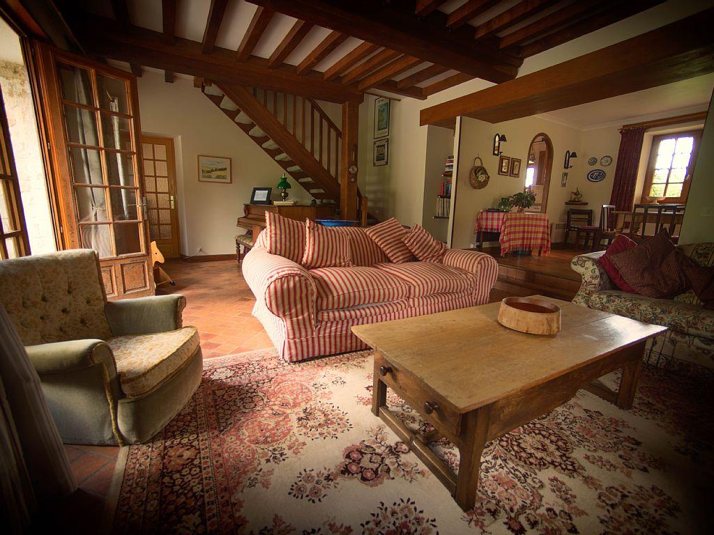 pond_cottage_lounge